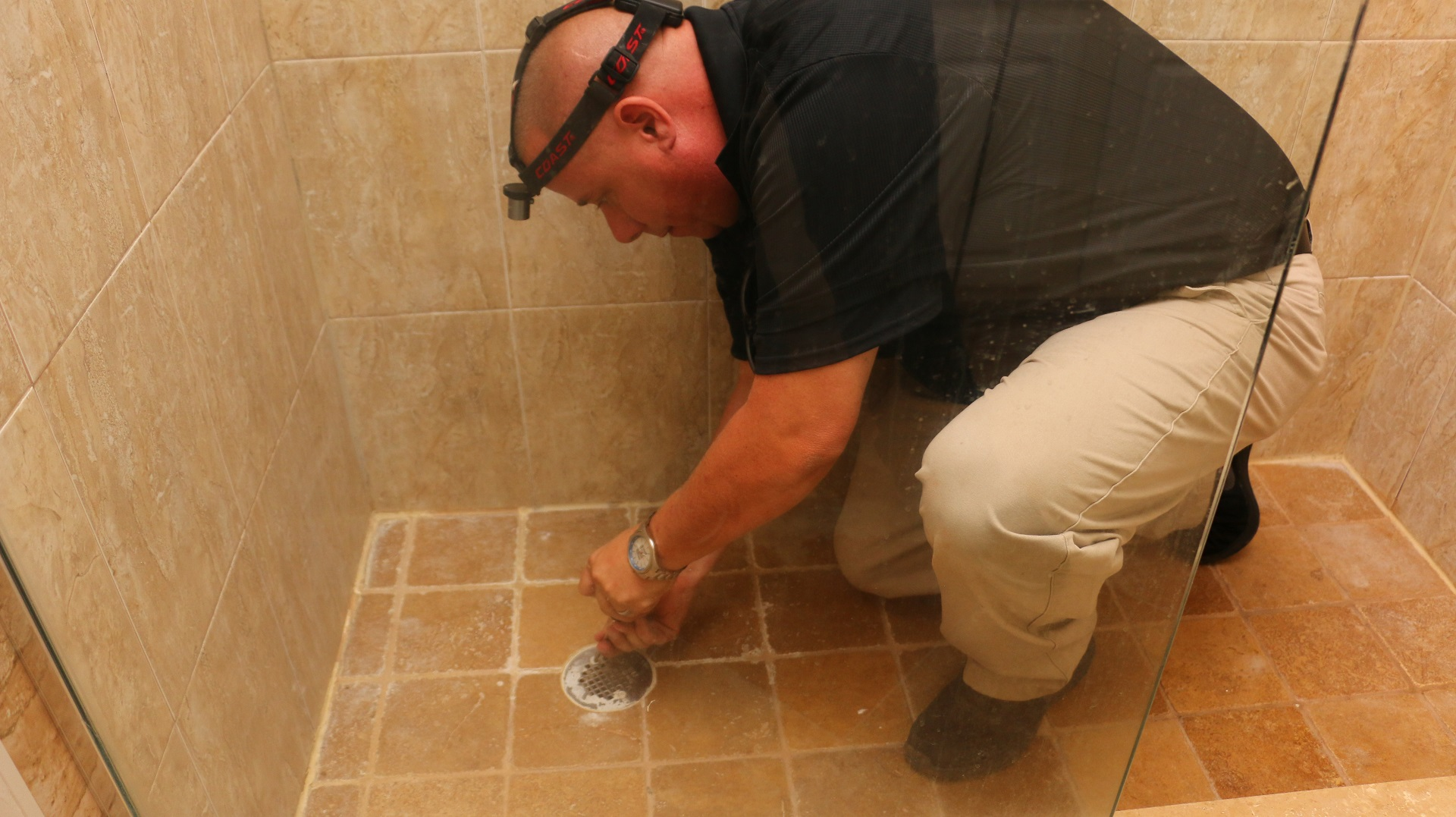 Shower Pan Leaks in Naples | 4 Things to Do if Your Shower Pan