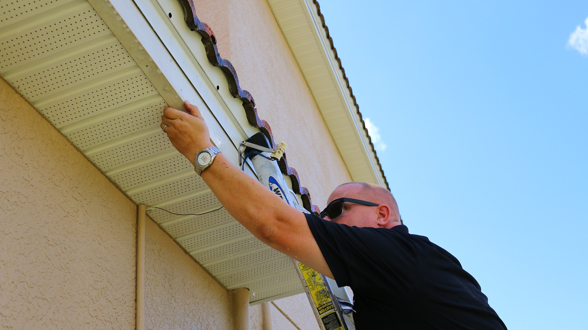 Roof Leak in Cape Coral | Indoor Signs Your Roof is Leaking